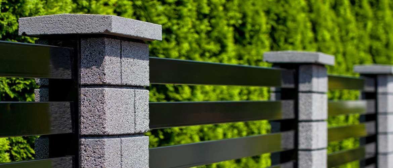 Столбы для забора - разновидности и монтажные работы 69 фото винтовые и декоративные деревянные столбики и блоки имитация кирпичной поверхности