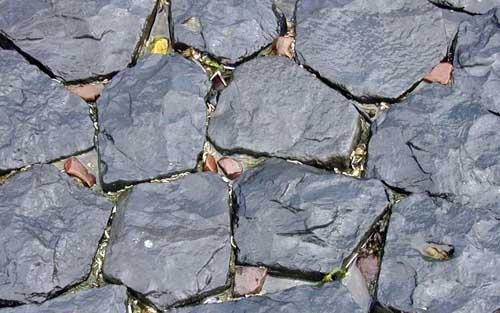 Клумбы из камней